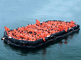 120 people capacity liferaft